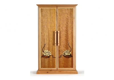 Butsudan in maple and mahogany with lotus marquetry