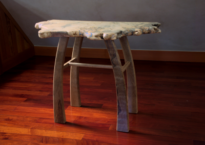 Accent table in buckeye